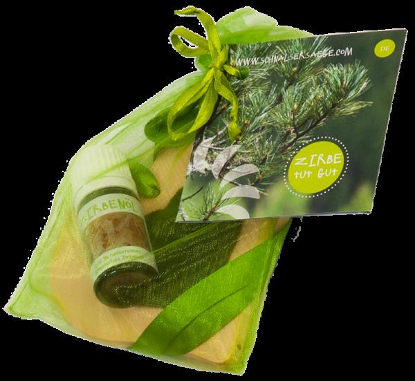 Cuore in cirmolo con inserto in feltro verde e boccetta d'olio - Schnalser Säge